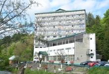 Încep lucrările de reabilitare a Spitalului de Recuperare Brădet. Proiectul este finanțat din fondur...