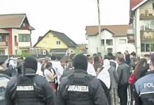 Elevi amendați de jandarmi pentru că fumau în curtea școlii