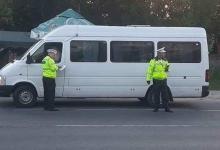 Poliţiştii locali piteşteni au amendat încă şapte şoferi de maxi-taxi