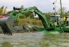 Administrația Bazinală de Apă Argeș – Vedea a achiziționat o dragă amfibie multifuncțională