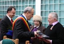 Mioveni: Premiaţi pentru 50 de ani de căsnicie