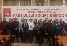 Simona Bucura Oprescu a adus studenţii la Parlament