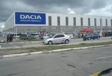 Criza de microcipuri loveşte şi la porţile Uzinei Dacia. Angajaţii, trimişi acasă